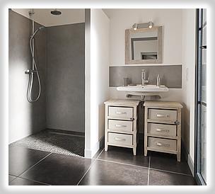 Visite villa des pouzereaux entre terre et mer la - Chambre avec salle d eau ouverte ...